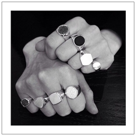 simple-jewelry-tom-wood-signette-rings-desmitten