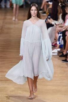 photo-18-photos-du-defile-chloe-femme-printemps-ete-2015_5109112