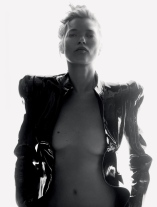 kate-moss-by-david-sims-for-love-magazine-14-fallwinter-2015-7