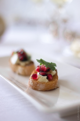 brie_pomegranate_crostini_frenchbydesign_2wm