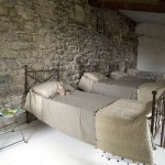 Rustic-and-Chic-Old-Villa-idea+sgn-in-Provence-France-by-Josephine-Ryan-3-150x150