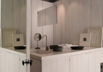 002-Bathroom-Main-View-570x400