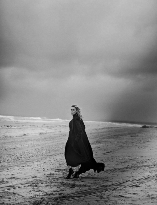 kate-winslet-by-peter-lindbergh-for-vogue-italia-november-2015-7
