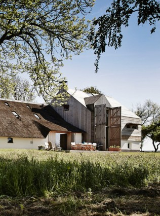 The-Barns-by-Sander-Architecten-3-600x809