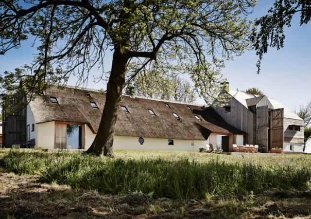 The-Barns-by-Sander-Architecten-728x513