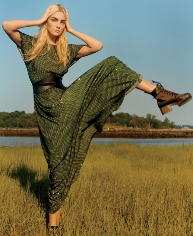 caroline-trentini-by-jamie-hawkesworth-for-vogue-us-december-2015-2