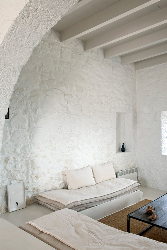 living-room-at-Sterna-Residence-nisyros-greece-conde-nast-traveller-9oct15-montse-garriga-grau_540x810