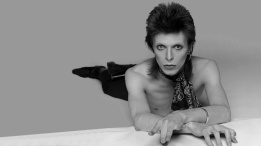 Smexy-Bowie-david-bowie-34011378-1920-1080