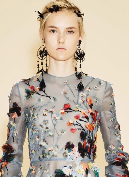 Jane-Fonda-Youth-Los-Angeles-Premiere-Fashion-Valentino-Tom-Lorenzo-Site-9