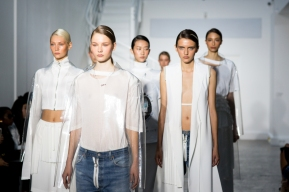 a-closer-look-at-off-white-c-o-virgil-abloh-2016-spring-summer-womens-collection1-20-off-white-c-o-virgil-abloh-2016-spring-summer-womens-collection2-20-off-white-c-o-virgil-abloh-2016-s6