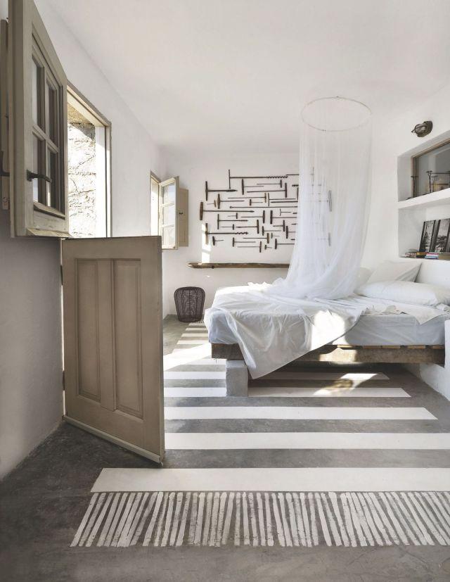 une-chambre-douce-en-blanc-en-grece_5368669