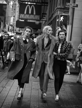 walking-by-peter-lindbergh-for-vogue-italia-october-2016-35