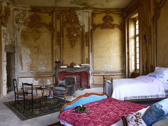07-french-chatea-de-gudanes-restoration