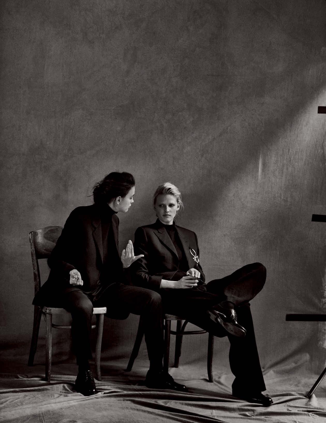 Vogue-Germany-May-2017-by-Peter-Lindbergh-44-Irina-Shayk-Lara-Stone