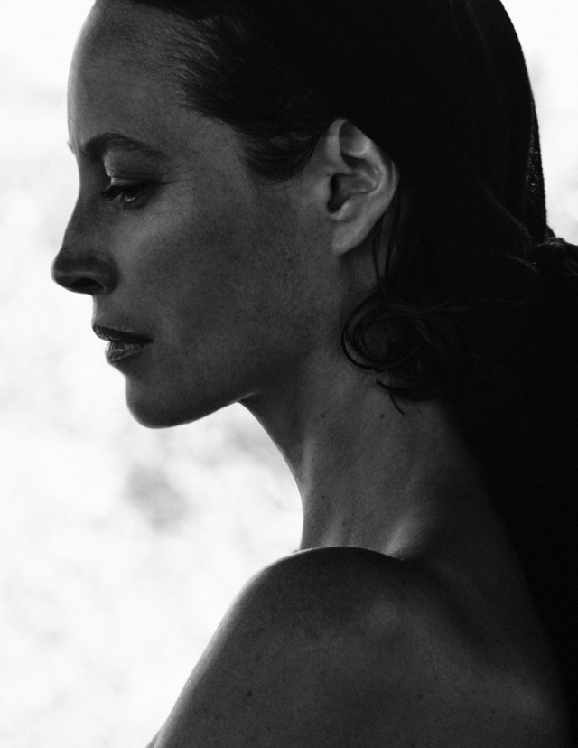 Christy-Turlington-Vogue-Cover-Photoshoot05