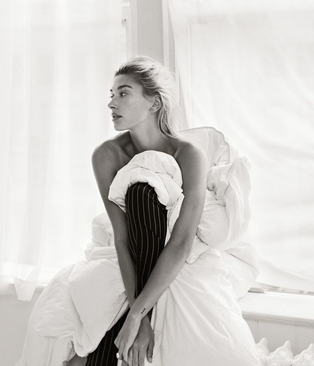 Hailey-Baldwin-Vogue-Mexico-Cover-Photoshoot06.jpg