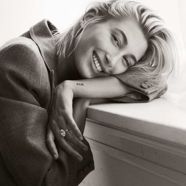 Hailey-Baldwin-Vogue-Mexico-Cover-Photoshoot10.jpg